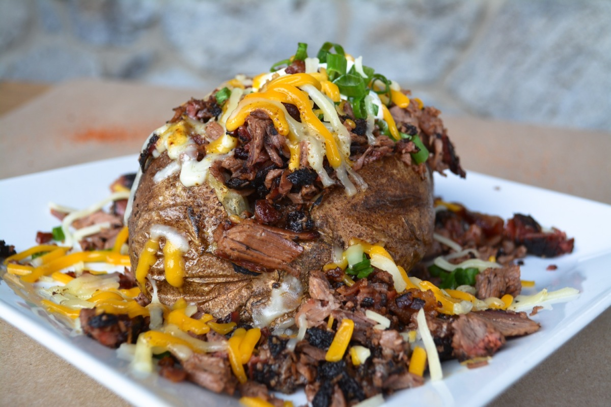 stuffed-brisket-potato-by-beet-marketing-photography