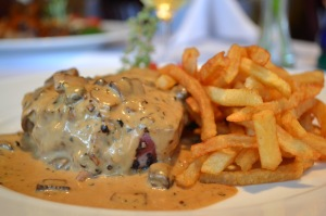 pepper-steak-and-fries